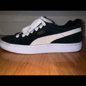 Classic Suede Puma Sneakers